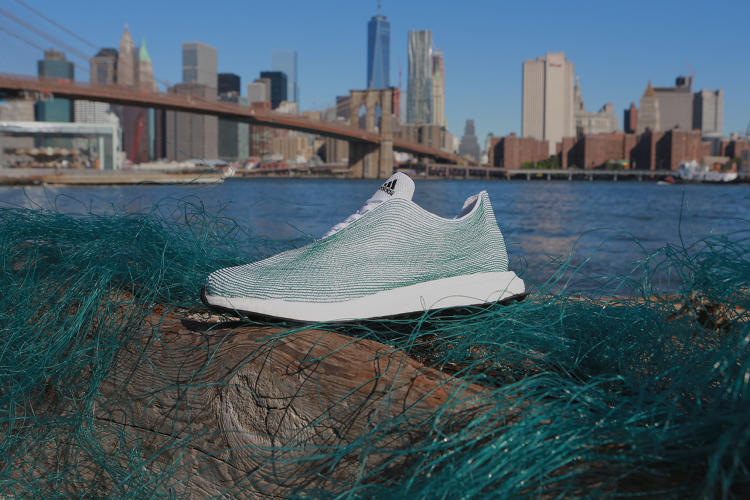 Ocean Plastic Footwear Made Unveil Adidas From Entirely zVqjpLSUMG
